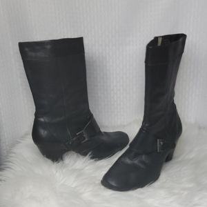 Born leather boots buckle detail great condition